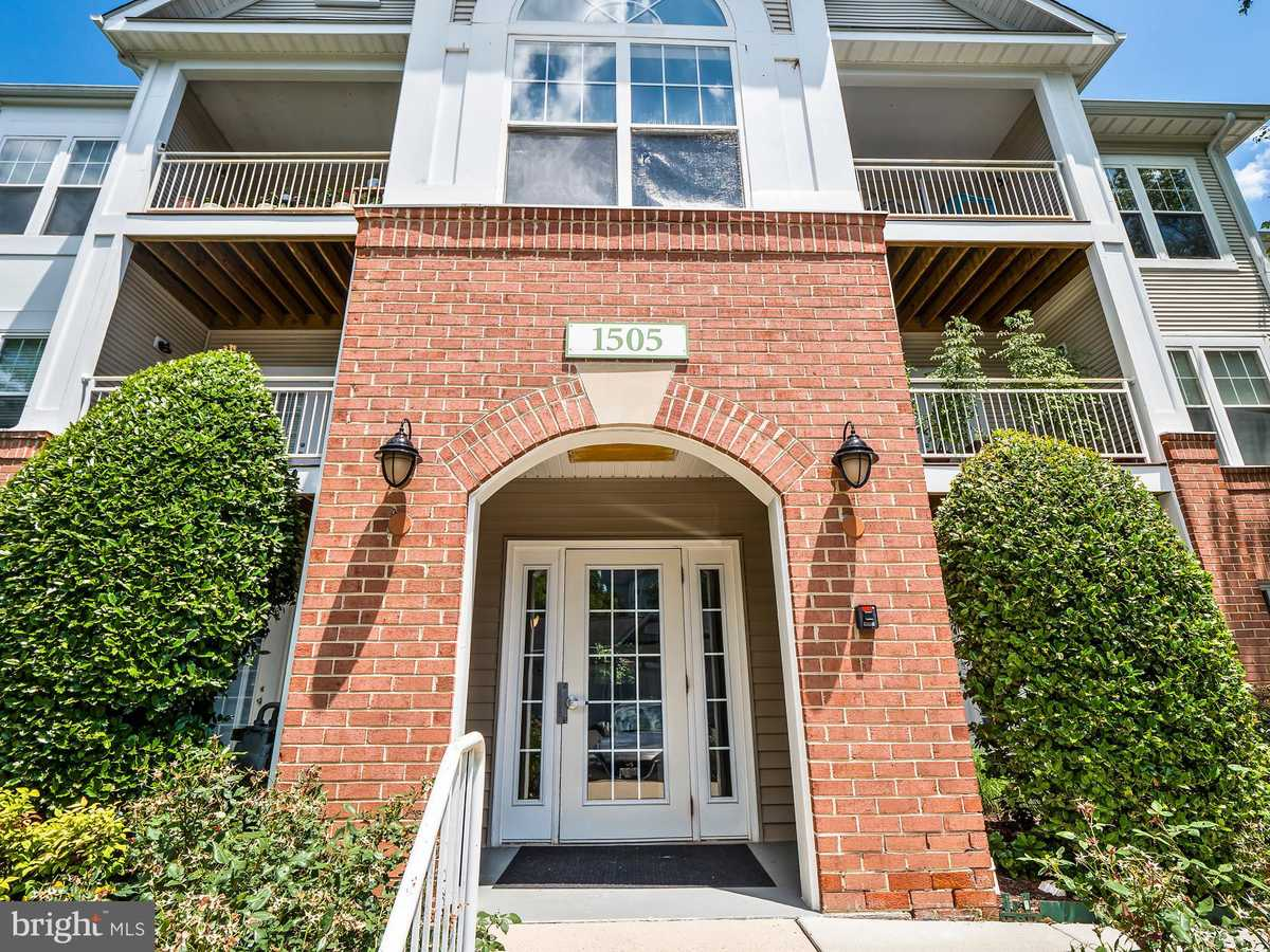 $320,000 - 2Br/2Ba -  for Sale in North Point Villas Condominium, Reston