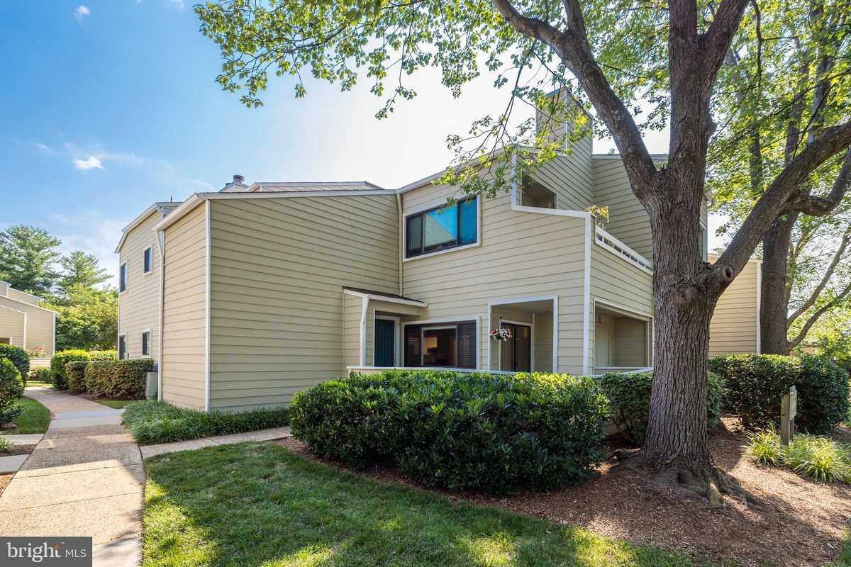 $259,900 - 1Br/1Ba -  for Sale in Villaridge, Reston
