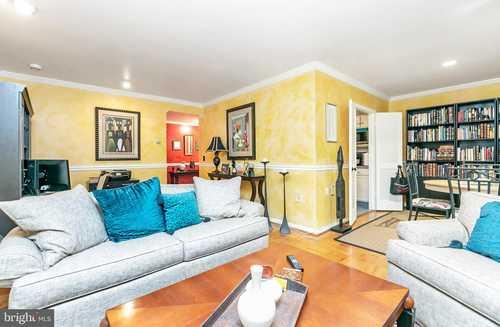 $165,000 - 1Br/1Ba -  for Sale in Cross Keys, Baltimore