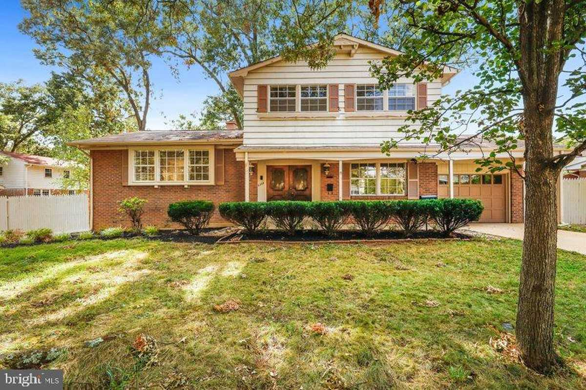 $630,000 - 3Br/2Ba -  for Sale in Monticello Woods, Springfield