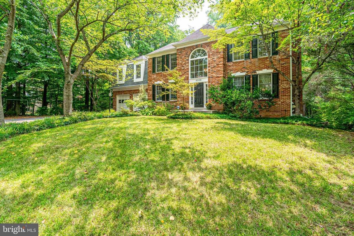 $909,000 - 4Br/3Ba -  for Sale in Hampton Chase, Fairfax