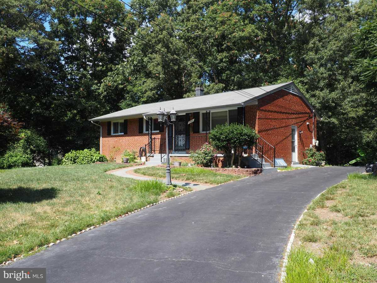 $569,500 - 5Br/3Ba -  for Sale in Loisdale Estates, Springfield
