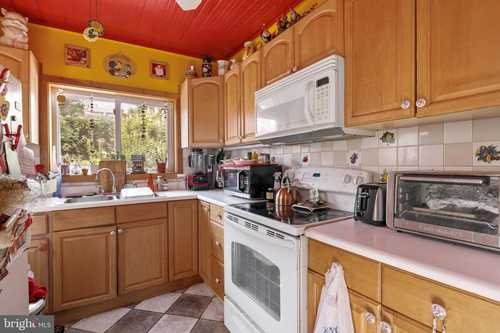 $275,000 - 4Br/3Ba -  for Sale in Little Italy, Baltimore