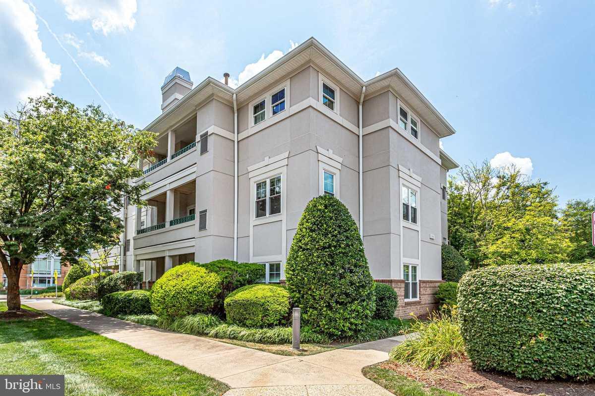 $289,990 - 1Br/1Ba -  for Sale in Oak Park Condo, Reston