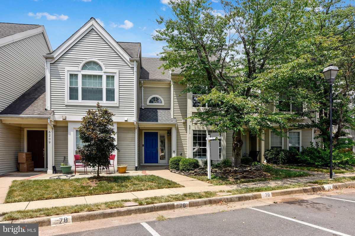 $400,000 - 3Br/3Ba -  for Sale in Woodgate Village, Centreville