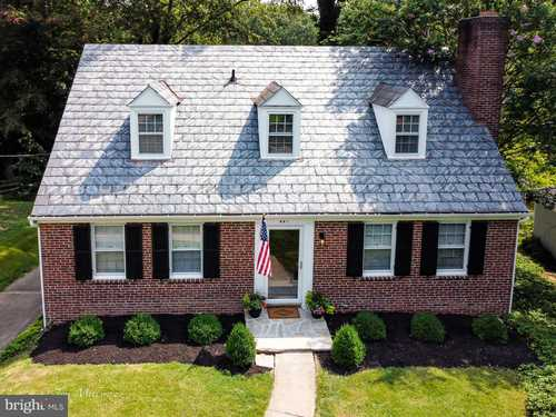 $399,900 - 4Br/3Ba -  for Sale in Charles Terrace, Towson