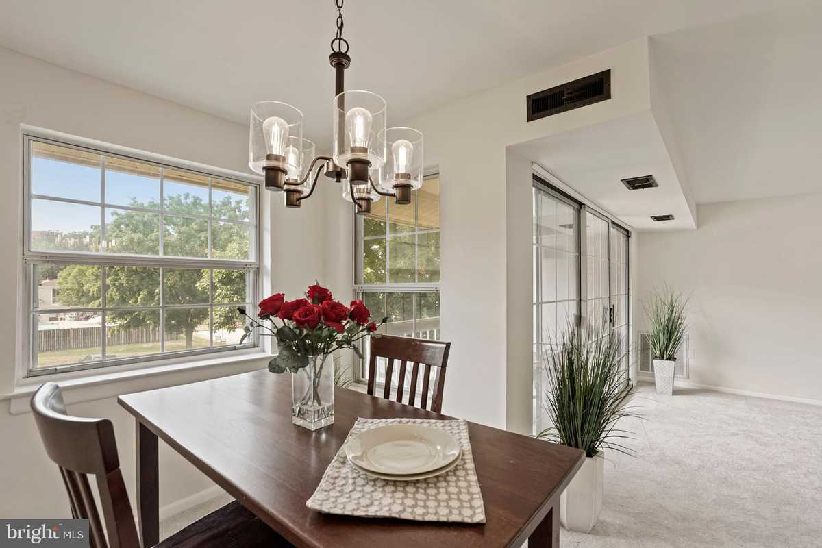 $295,000 - 1Br/1Ba -  for Sale in Mclean Chase, Mclean