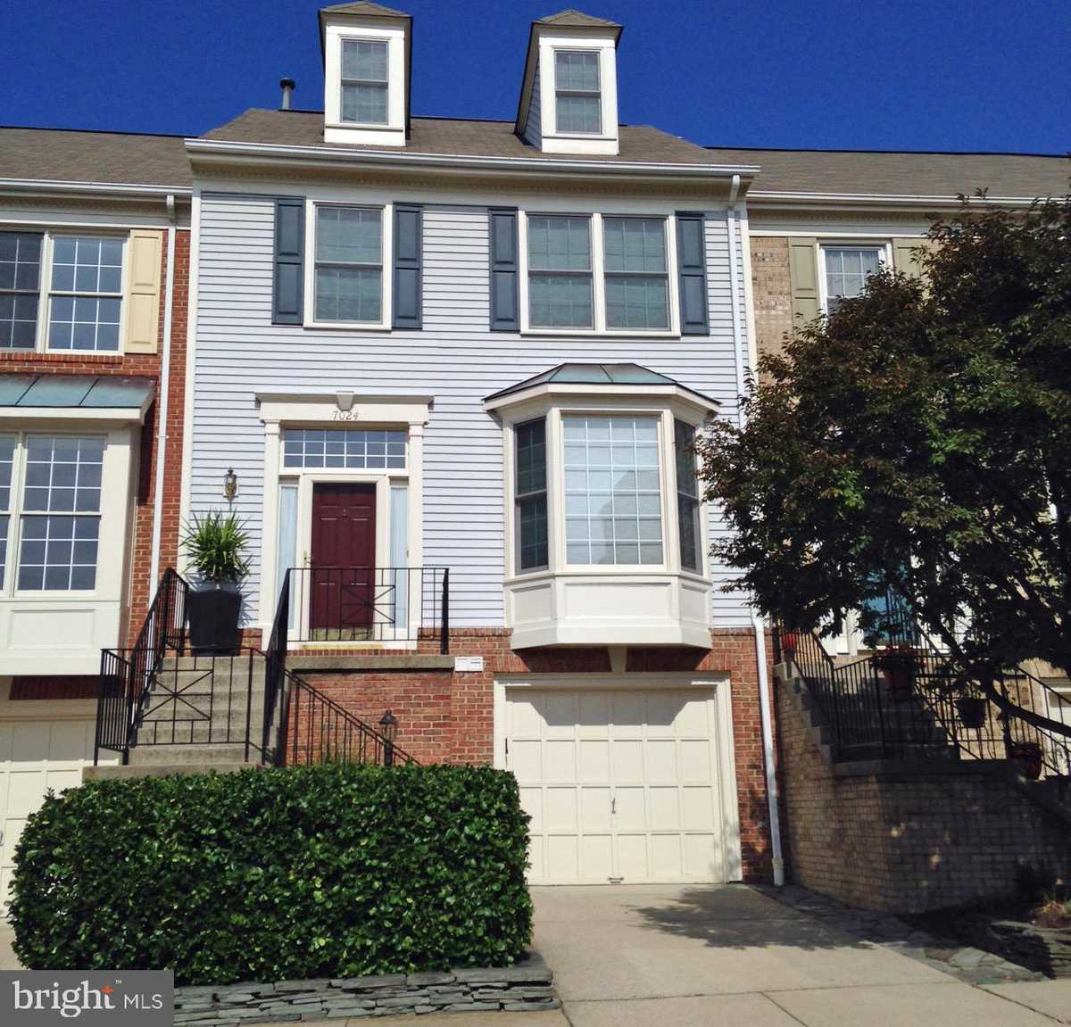 $629,900 - 3Br/4Ba -  for Sale in The Mews, Alexandria
