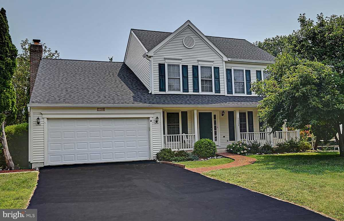 $779,900 - 4Br/4Ba -  for Sale in Bonniemill Acres, Springfield