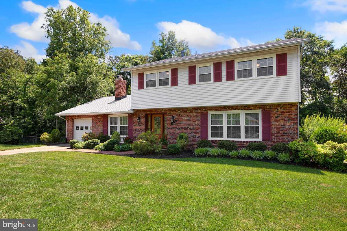 $750,000 - 4Br/3Ba -  for Sale in Wynfield, Annandale
