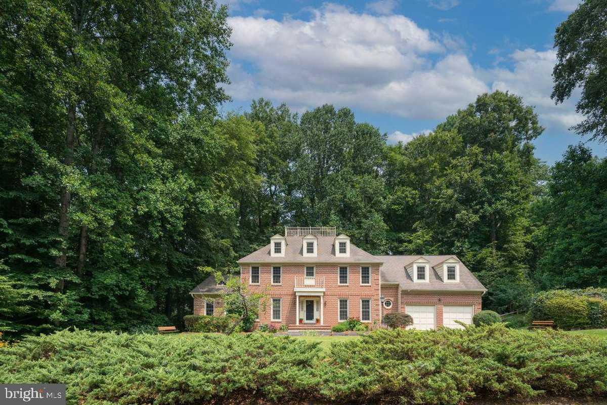 $1,040,000 - 4Br/4Ba -  for Sale in Wildwood Hills Estates, Fairfax Station