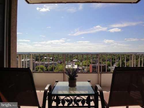 $128,000 - 1Br/1Ba -  for Sale in The Penthouse, Towson