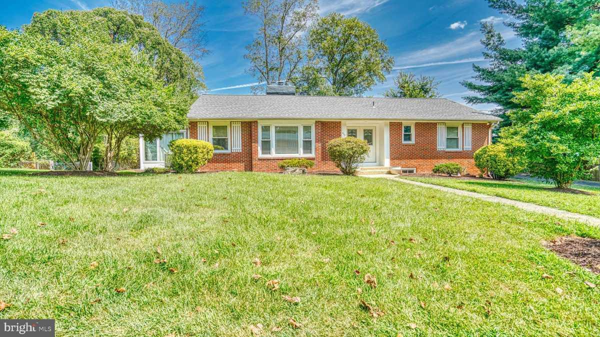 $769,900 - 3Br/3Ba -  for Sale in Englandboro, Annandale