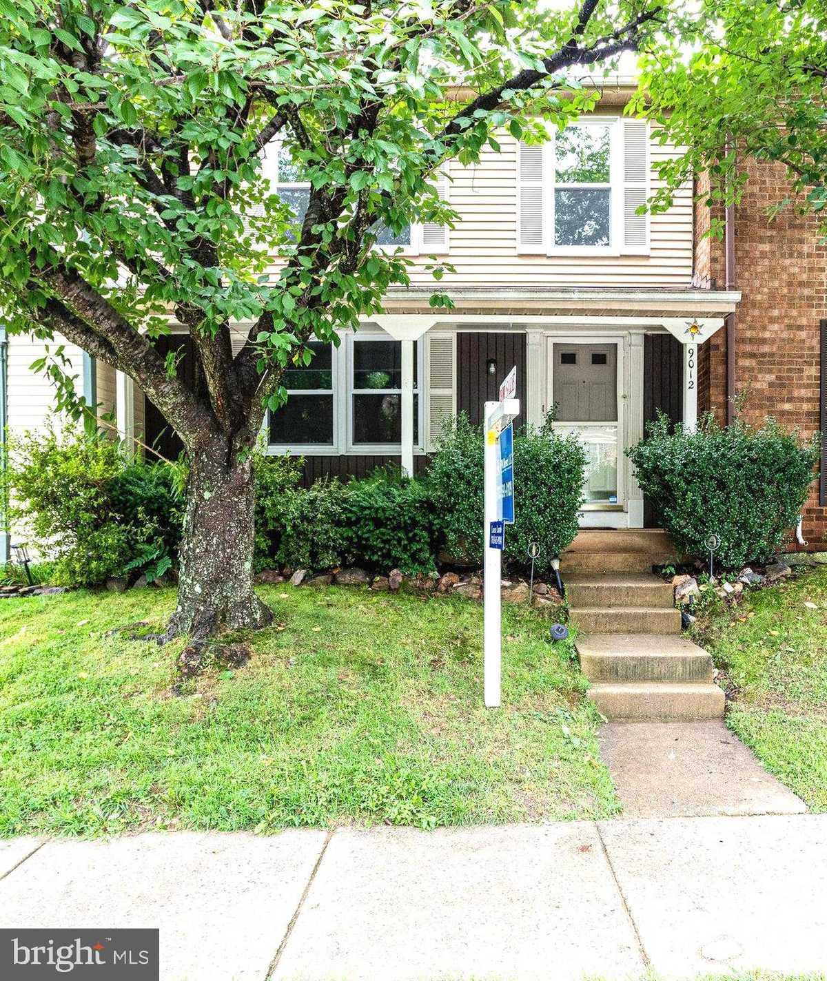 $490,000 - 3Br/4Ba -  for Sale in Glenwood Manor, Springfield