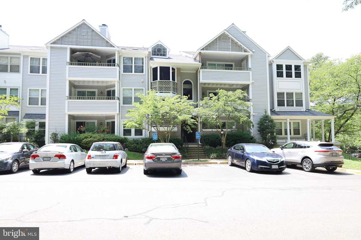 $350,000 - 2Br/2Ba -  for Sale in Lafayette Forest, Annandale