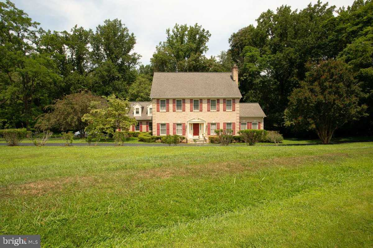 $1,293,000 - 4Br/4Ba -  for Sale in Lake Windermere, Great Falls