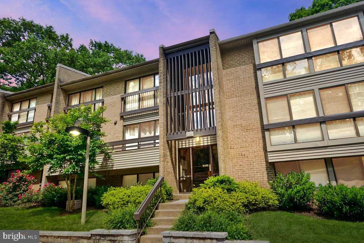 $339,000 - 2Br/2Ba -  for Sale in None Available, Reston