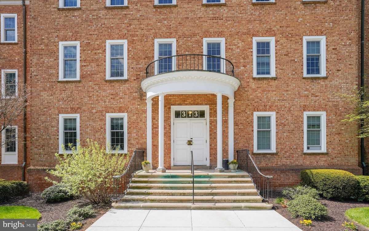 $205,000 - Br/Ba -  for Sale in Falls Church