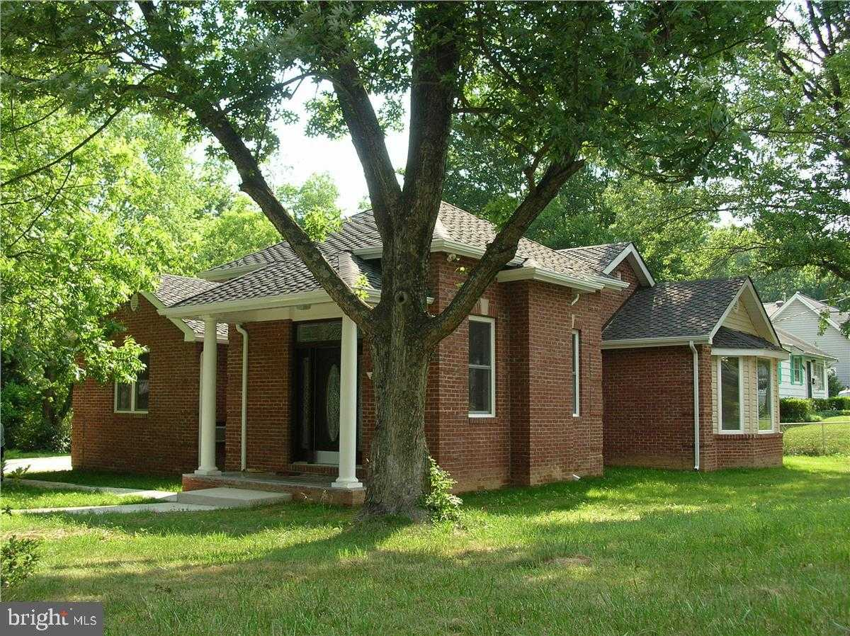 $749,000 - 3Br/3Ba -  for Sale in Pimmit Hills, Falls Church