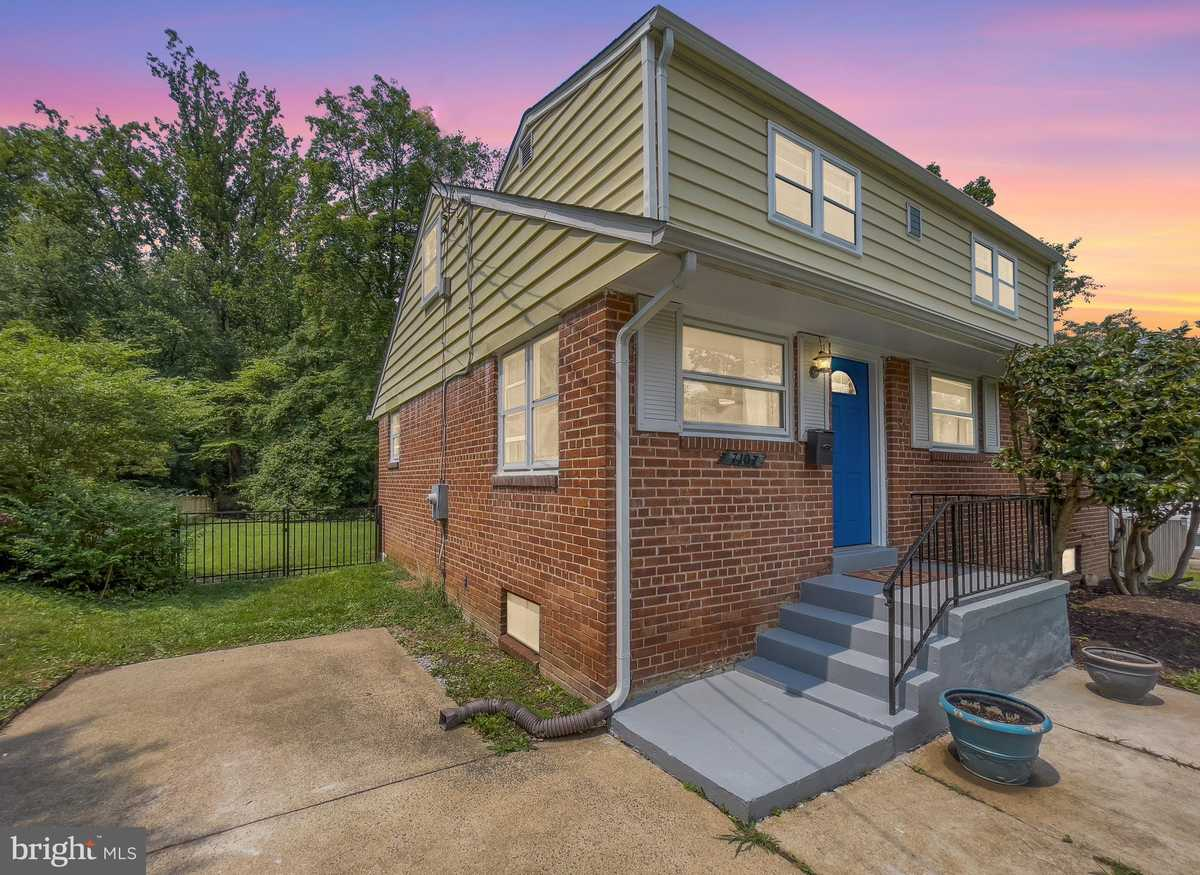 $619,888 - 4Br/2Ba -  for Sale in Broyhill Park, Falls Church
