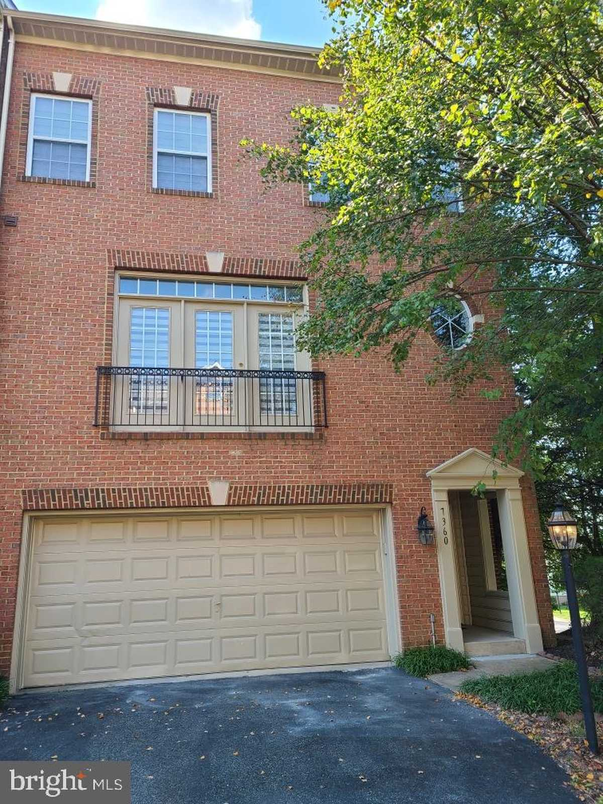 $695,000 - 3Br/4Ba -  for Sale in Pohick Overlook, Springfield