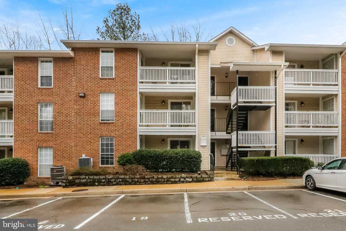 $349,900 - 2Br/2Ba -  for Sale in Fountains At Mclean, Mclean
