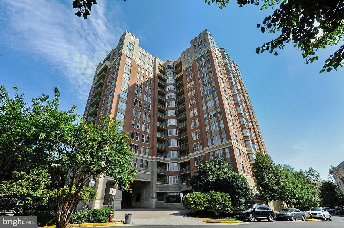 $740,000 - 2Br/2Ba -  for Sale in Stratford Place, Reston