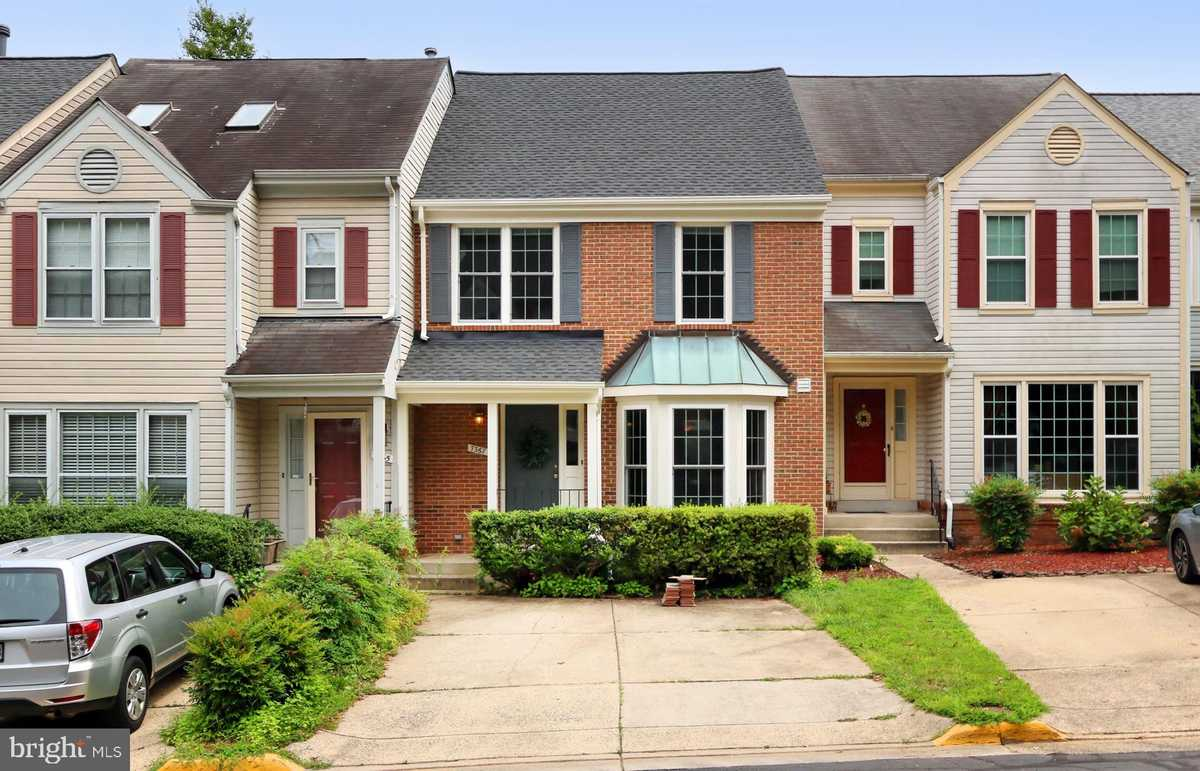 $550,000 - 3Br/4Ba -  for Sale in Westwater Point, Springfield