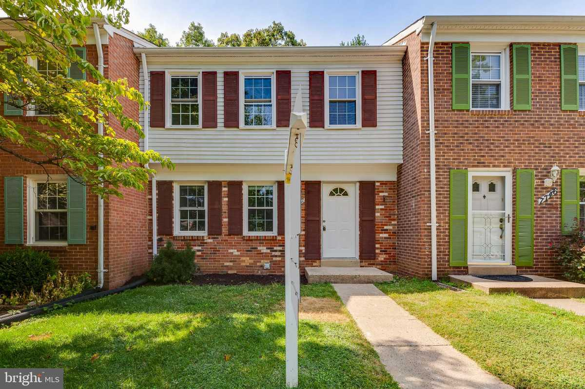 $449,977 - 3Br/4Ba -  for Sale in Newington Station, Springfield