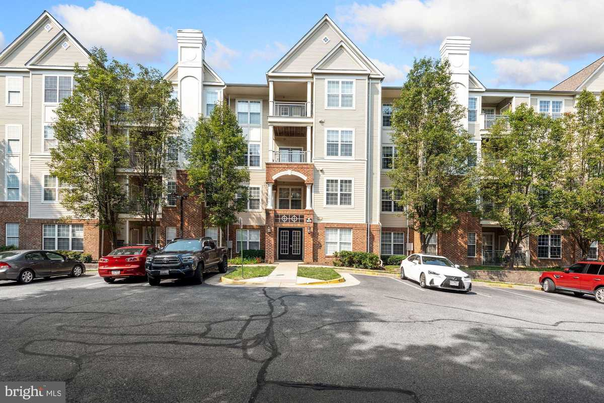 $274,000 - 1Br/1Ba -  for Sale in High Pointe At Jefferson, Falls Church