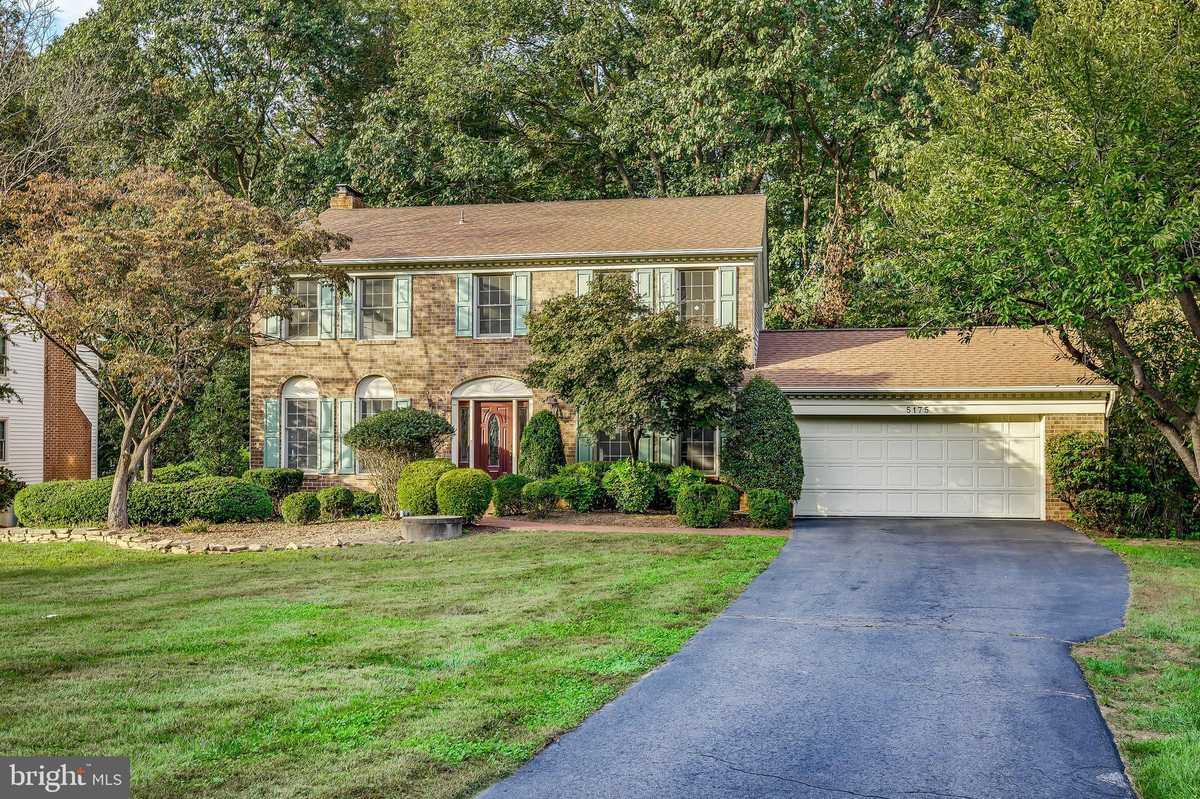 $869,900 - 4Br/3Ba -  for Sale in Ridges Of Glendilough, Fairfax