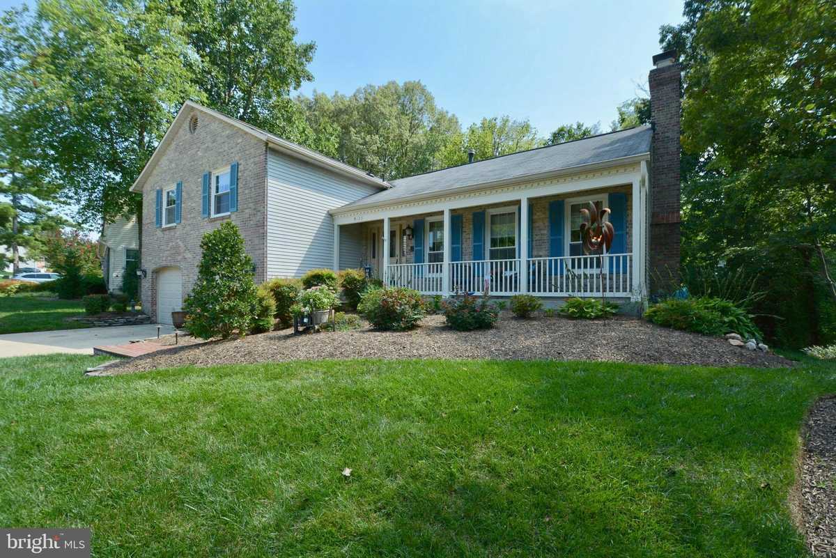 $749,999 - 4Br/3Ba -  for Sale in Signal Hill, Burke