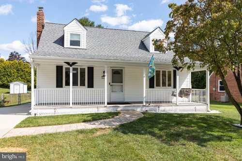 $355,000 - 4Br/2Ba -  for Sale in Greentop Manor, Cockeysville