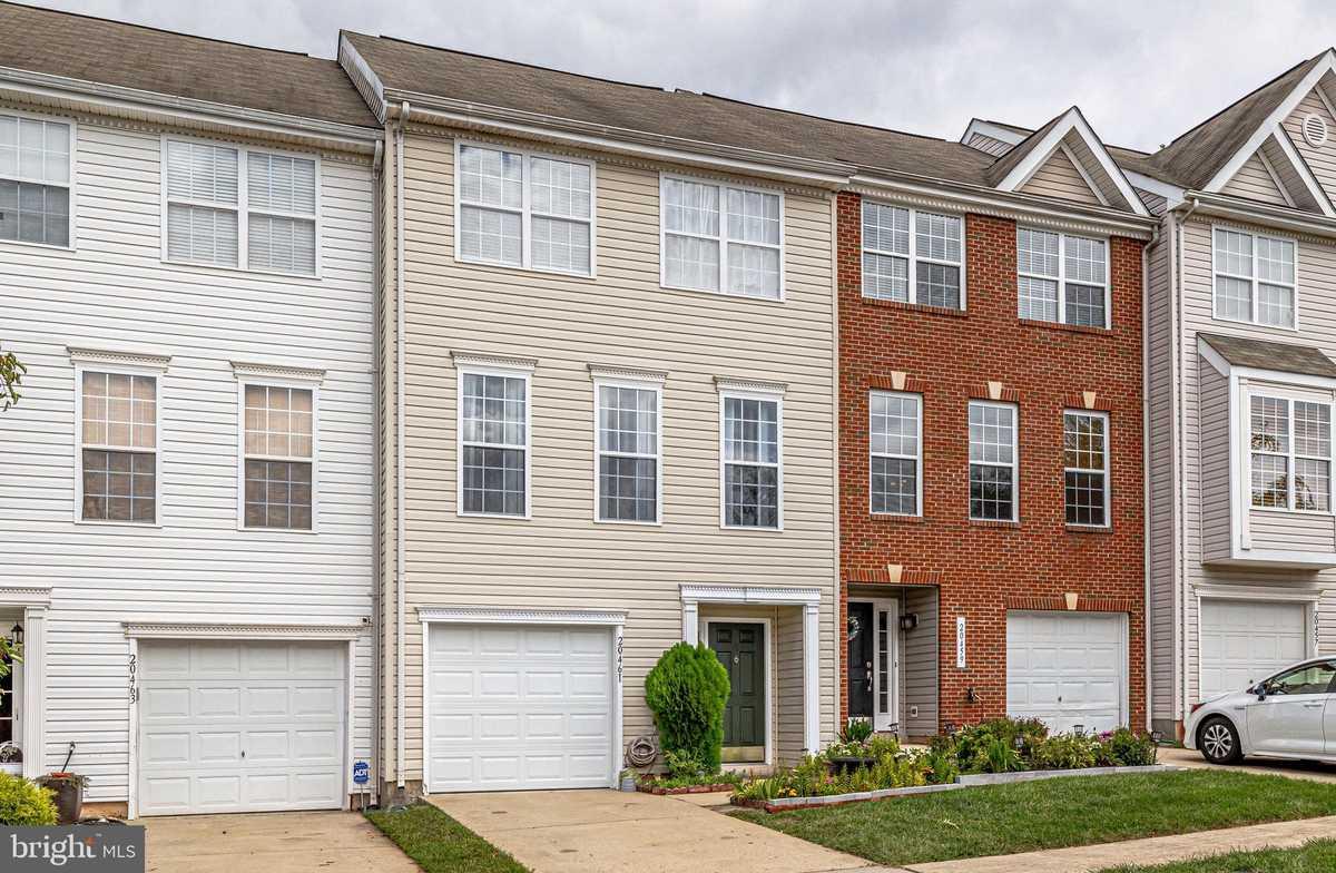 $469,000 - 3Br/3Ba -  for Sale in Jefferson Village, Sterling
