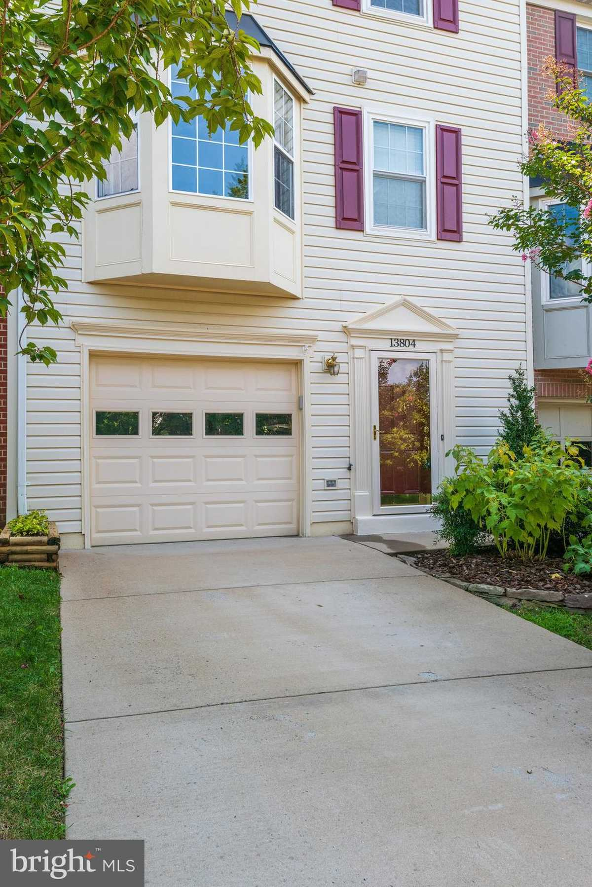 $499,900 - 3Br/4Ba -  for Sale in Englewood Mews, Centreville