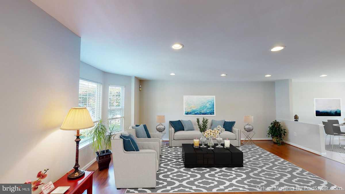 $535,000 - 4Br/2Ba -  for Sale in Armistead Park, Fairfax