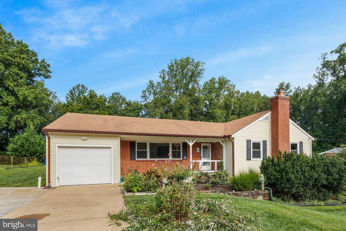 $999,990 - 8Br/5Ba -  for Sale in Pine Ridge, Annandale