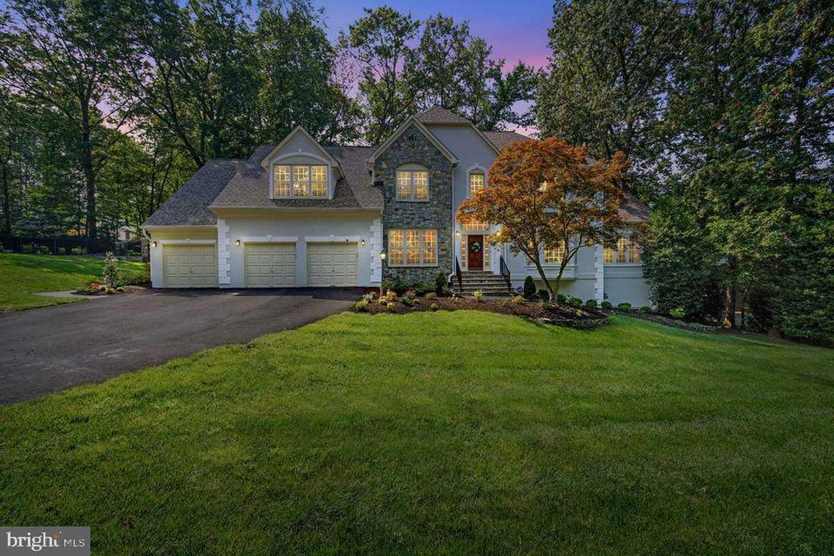 $1,549,500 - 5Br/5Ba -  for Sale in Crosen Property, Oak Hill