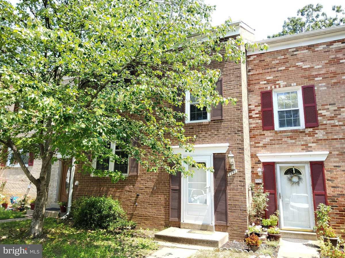 $429,999 - 3Br/3Ba -  for Sale in Newington Station, Springfield