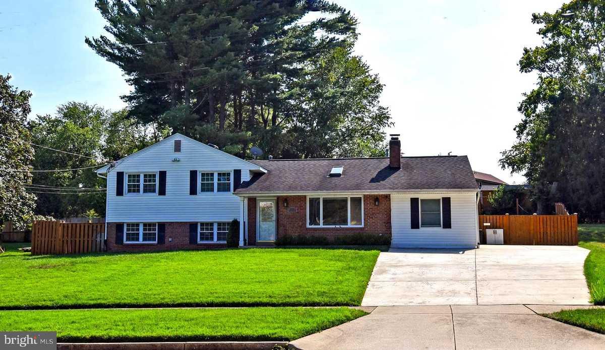 $749,000 - 4Br/4Ba -  for Sale in Ravensworth, Springfield