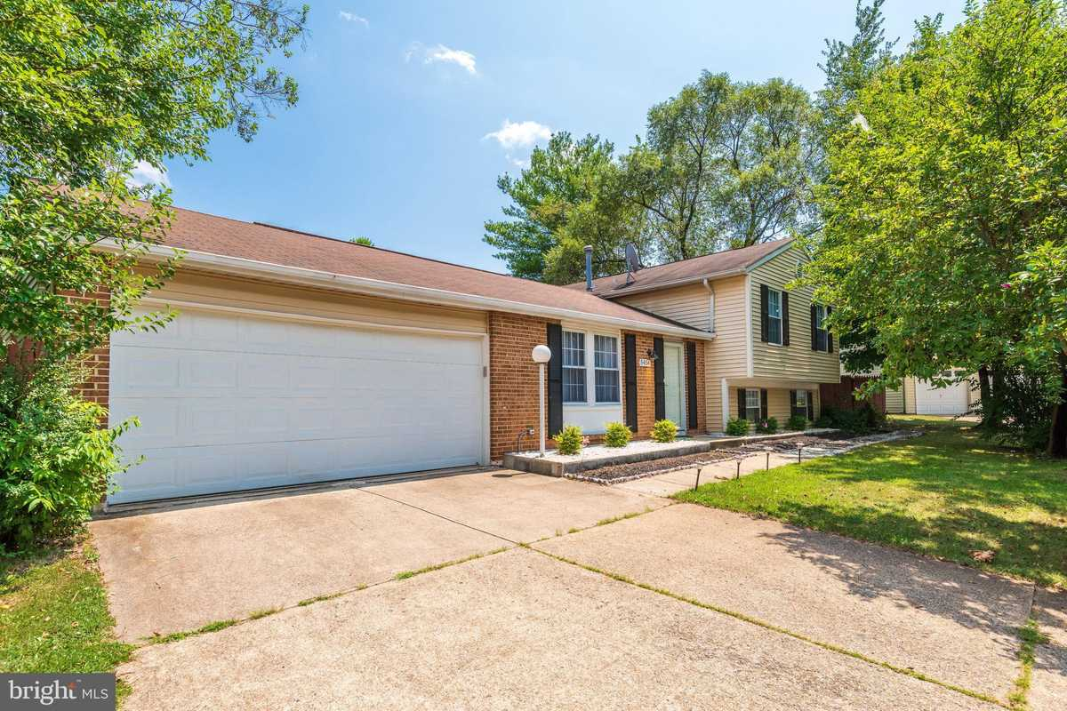 $599,900 - 3Br/3Ba -  for Sale in Xanadu Estates, Centreville