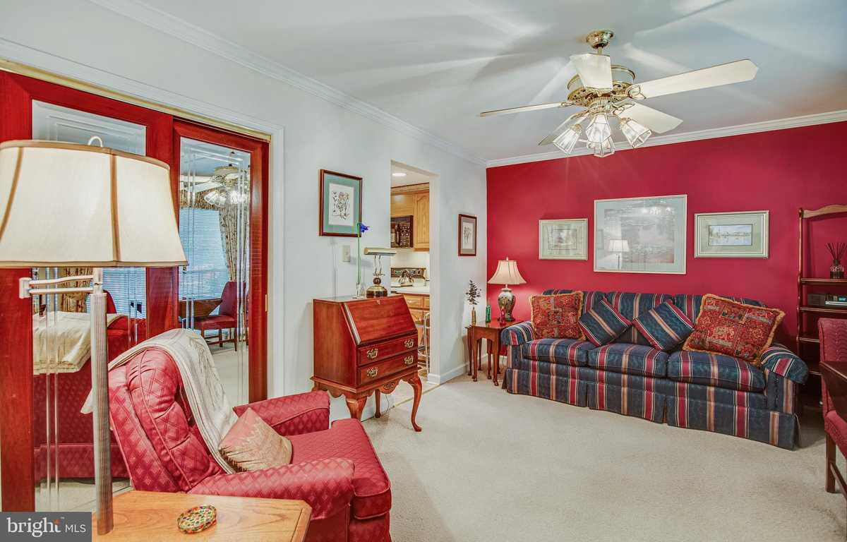 $520,000 - 4Br/4Ba -  for Sale in Royal Court, Annandale