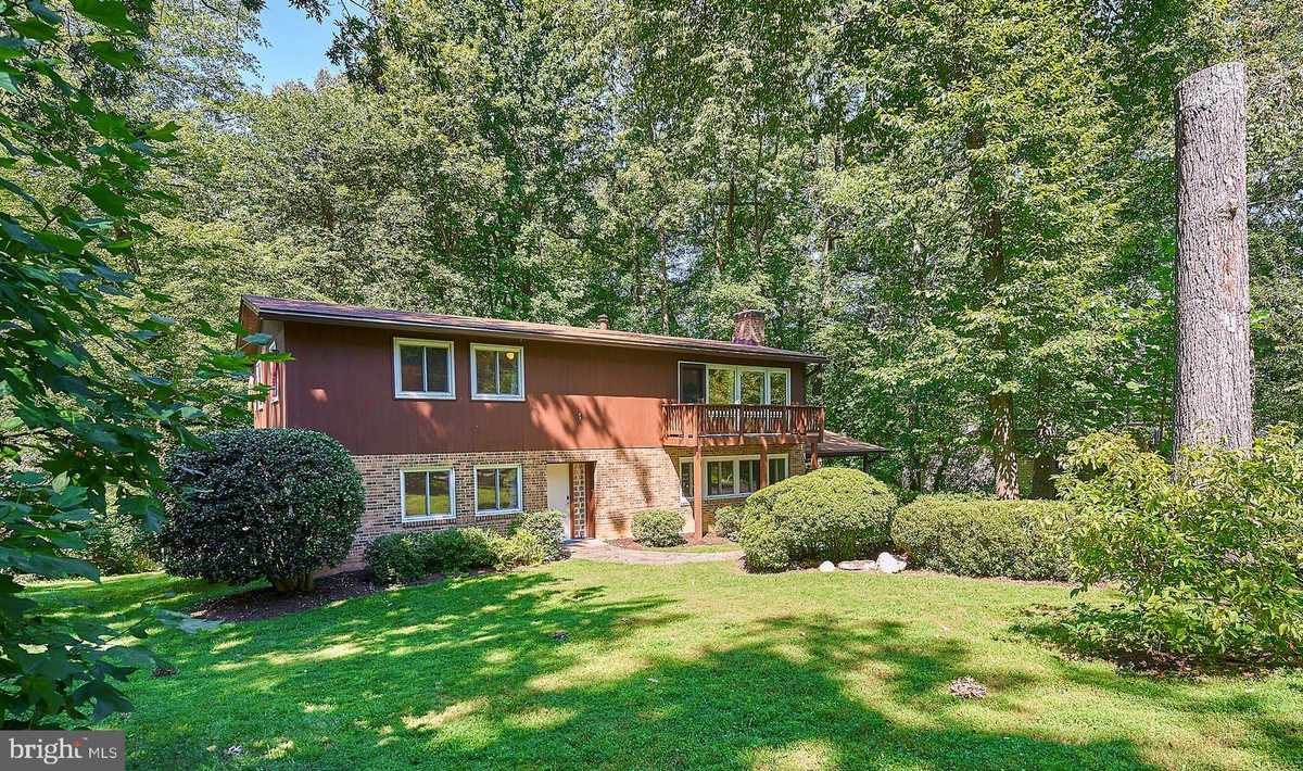 $800,000 - 4Br/3Ba -  for Sale in Lee Forest, Fairfax