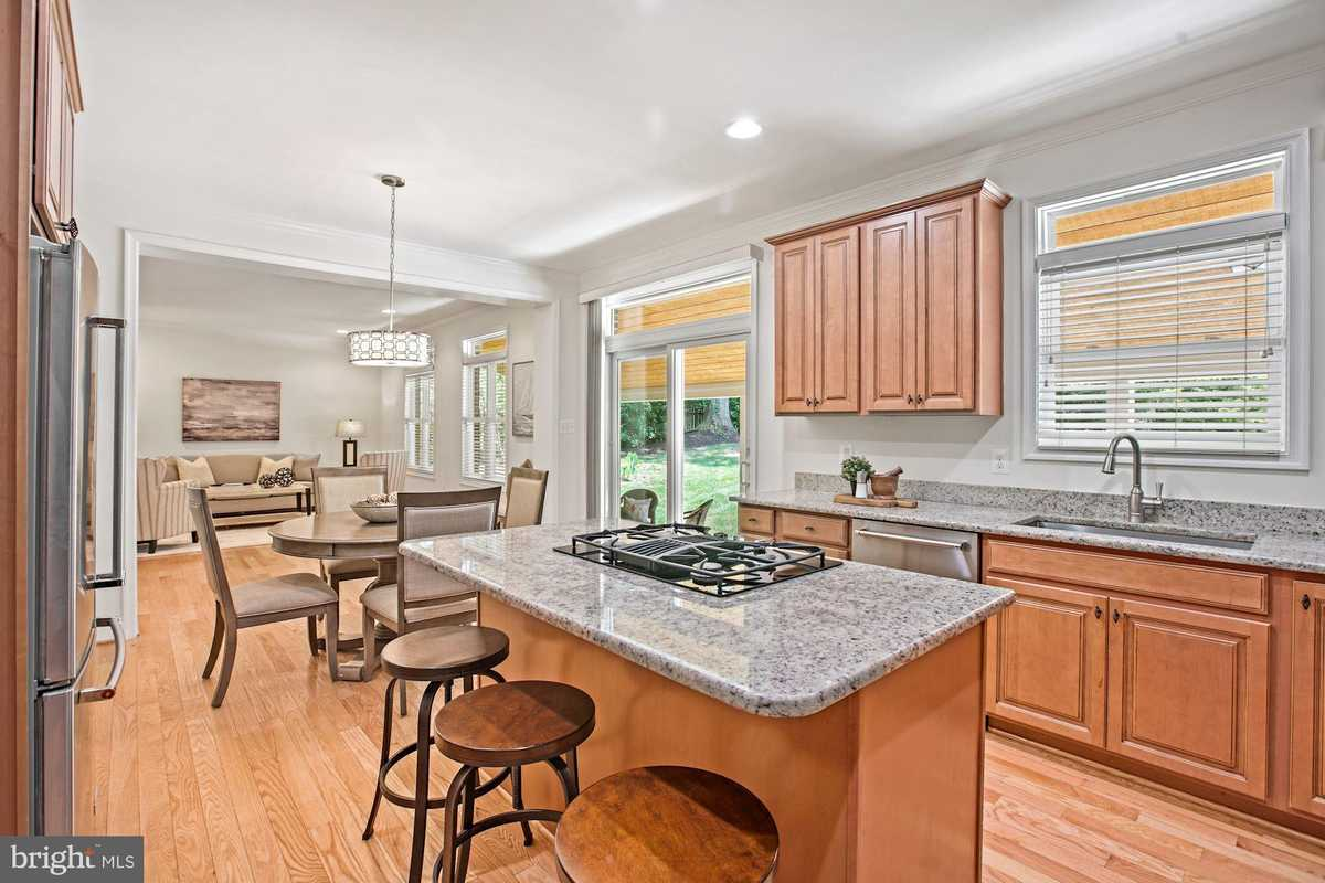 $1,100,000 - 5Br/5Ba -  for Sale in Chapel Acres, Springfield