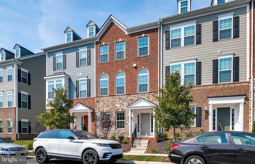 $587,000 - 5Br/5Ba -  for Sale in Shipleys Grant, Ellicott City