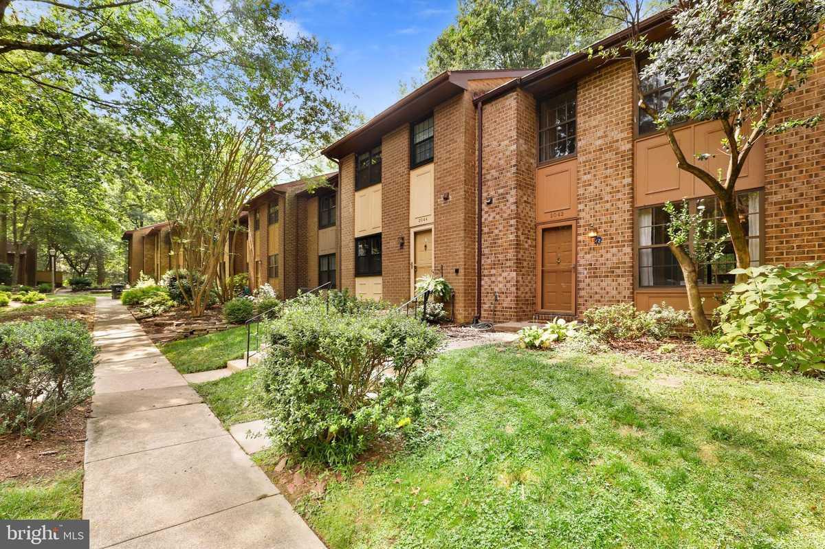 $539,000 - 3Br/4Ba -  for Sale in Boston Ridge, Reston
