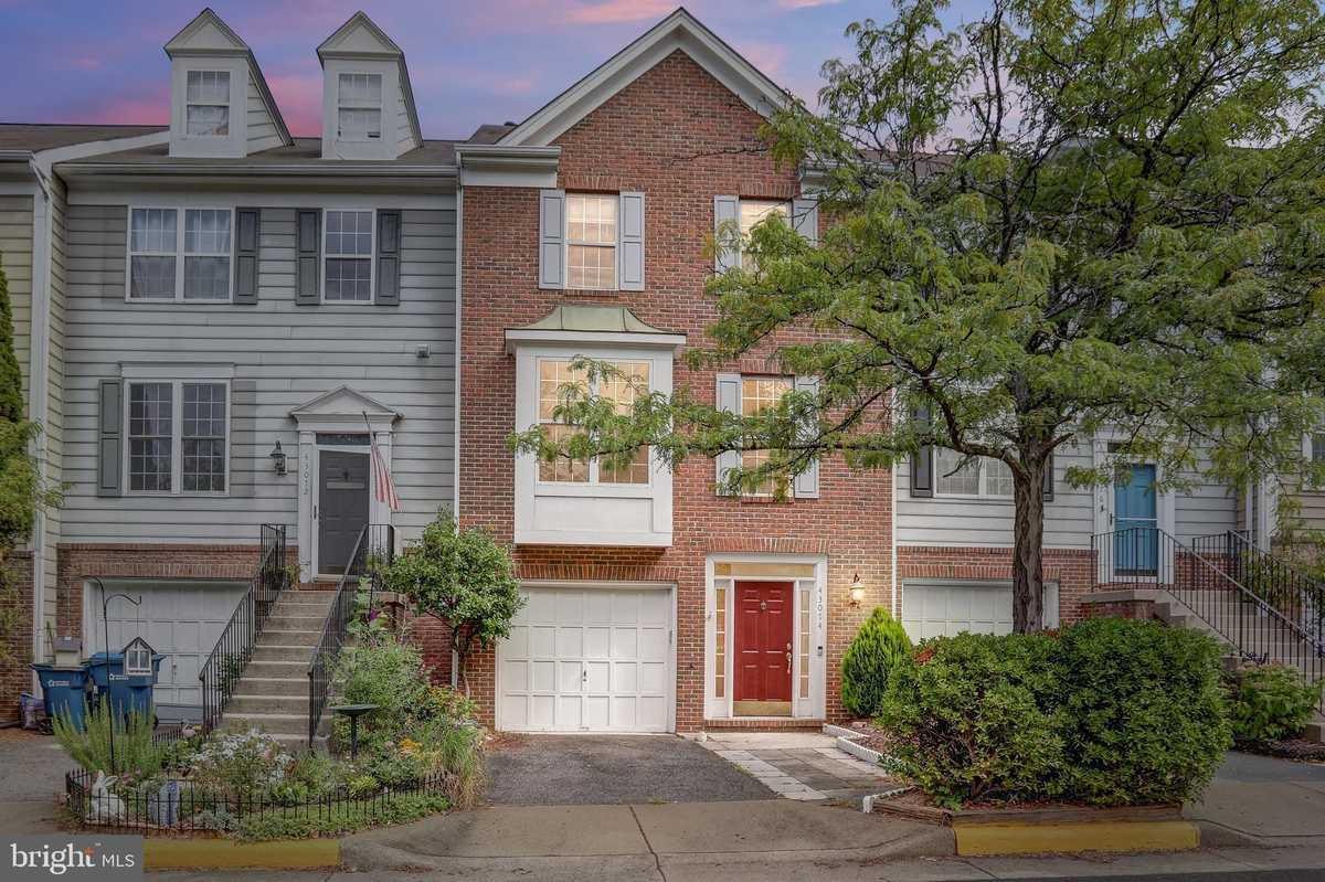 $489,000 - 3Br/3Ba -  for Sale in South Riding, Chantilly