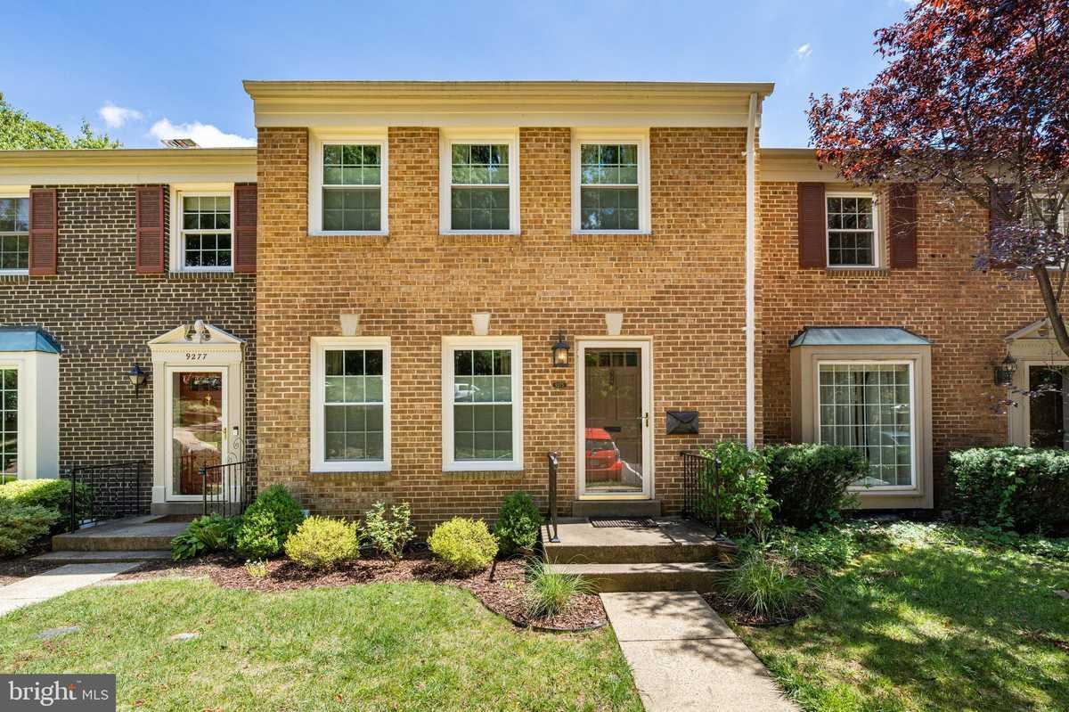 $649,000 - 3Br/4Ba -  for Sale in Stonehurst, Fairfax