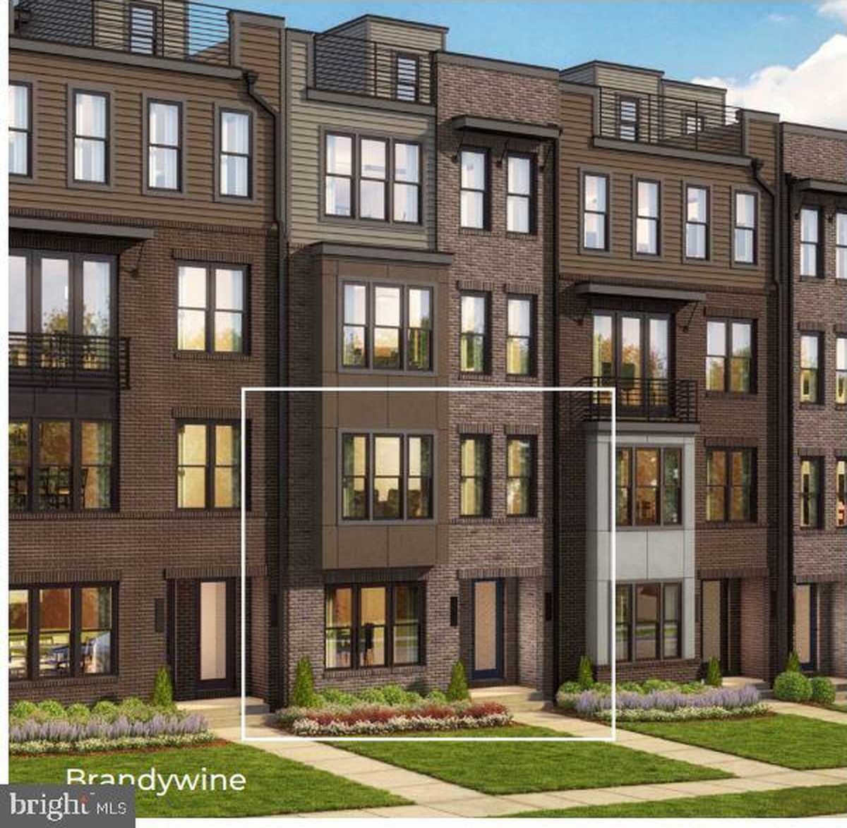 $586,950 - 3Br/3Ba -  for Sale in Commonwealth Place At Westfields, Chantilly