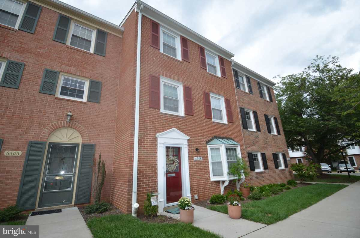 $420,000 - 4Br/3Ba -  for Sale in Cardinal Square, Springfield